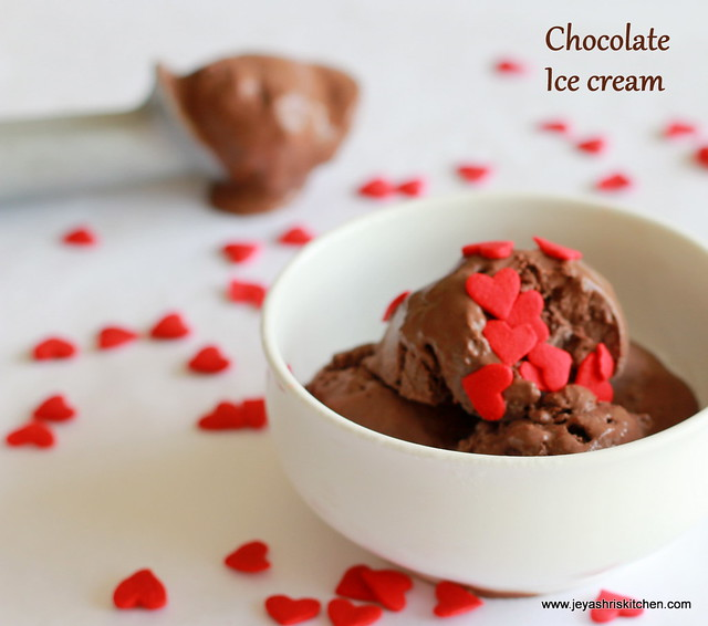 Homemade-eggless-chocolate-ice cream