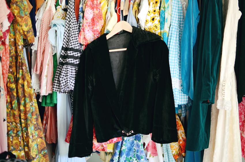 vintage--black-velvet-jacket d