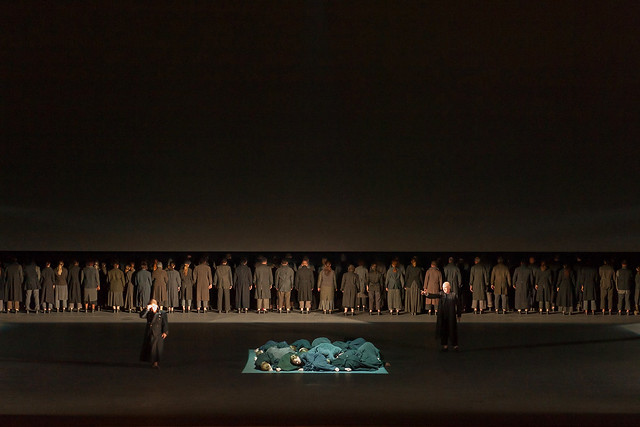 The cast of Dialogues des Carmélites © ROH/Stephen Cummiskey, 2014