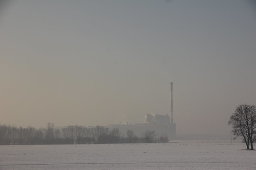 zaosie poland polska village landscape countryside nature fields trees buildings industrial industry complex desoalte morning dawn winter snow łódzkie canon canoneos550d canonefs18135mmf3556is