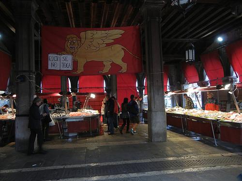 DSCN3116 _ Pescheria, Fish Market, Rialto Mercato, Venezia