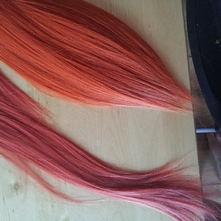 Weft dying before and after! Before is bottom, after is above after ink dying. #cosplaywig #wigdying #fwinkdye