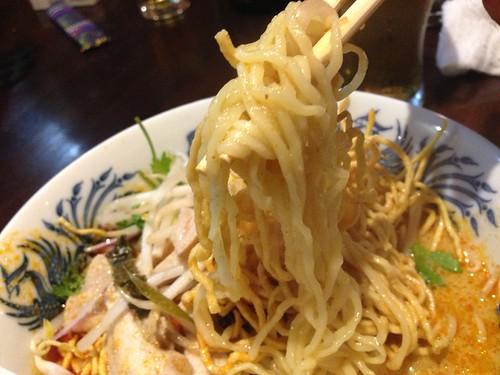 カオソーイ 麺