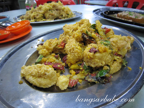 Salted-Egg-Yolk-Squid-at-Alor-Akar