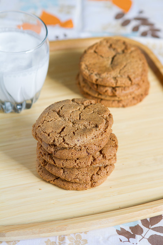 Nutella Stuffed Almond Butter Cookies