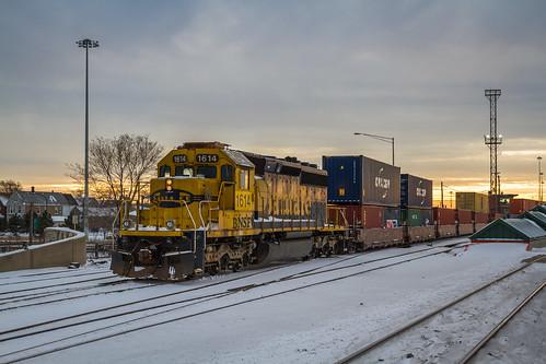 railroad winter sunset sky chicago cold santafe yard train illinois foam cicero railfan railroading intermodal californiazephyr emdsd402 canon7d