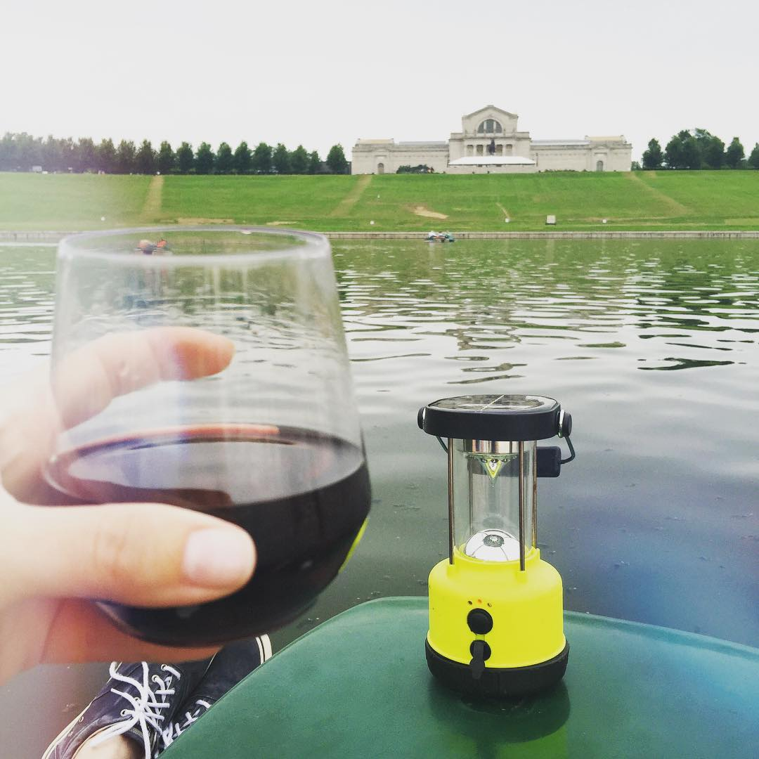 Cheers! From a Paddleboat. Yep, life is sweet. I also have a new pet duck that likes pita. 😉 #Paddleboat #myhubbyiscute #thatsnotthepinottalking #stlartmuseum