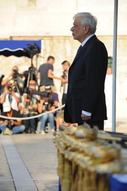 Ο ΥΕΘΑ Πάνος Καμμένος και η Στρατιωτική ηγεσία στην ορκωμοσία των νέων Σημαιοφόρων