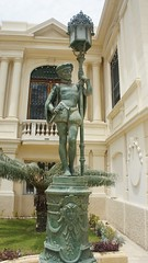 An European style statue outside the palace