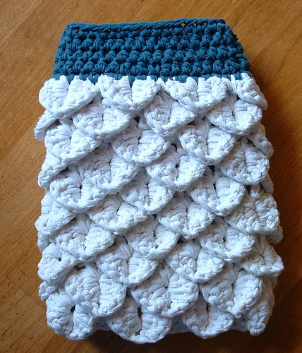 Crocheted T-Yarn Wash Mitt