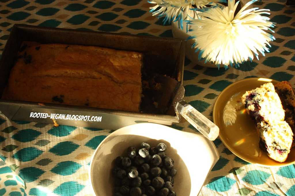 vegan blueberry bread by rooted-vegan.blogspot.com