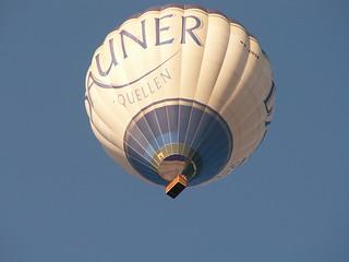 Eine halbe Stunde später winkte das rettende Land in der Entfernung von nur einer Meile vom Ballon 00022