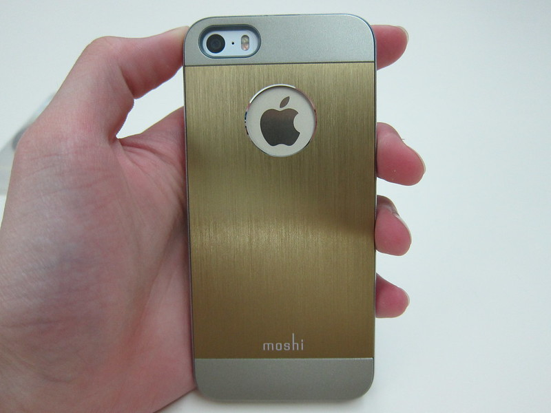 Moshi iGlaze Armour (Bronze) - Holding iPhone 5s (Gold)