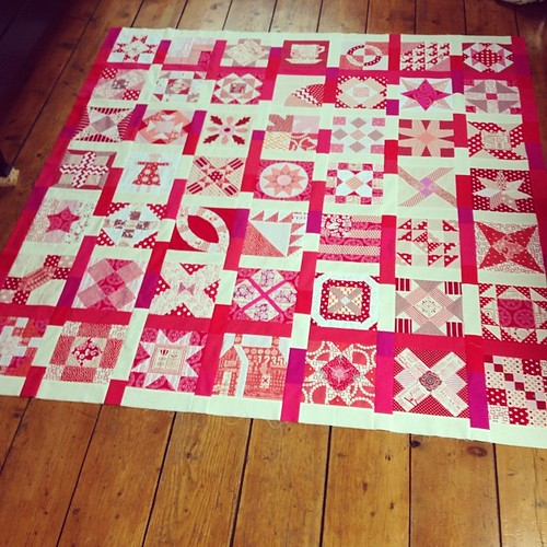 Yihaaa! It's finished. My Grandmother's Choice quilttop #alyof