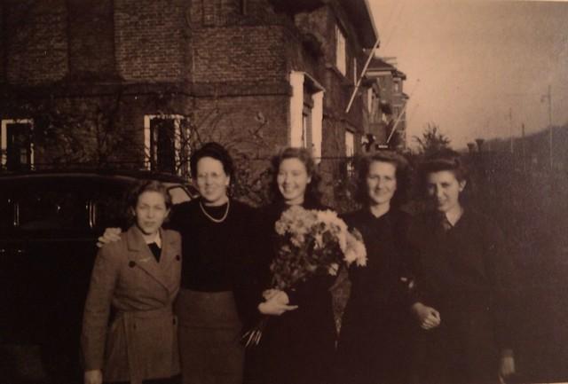 1946 Hannie ( far right) hague