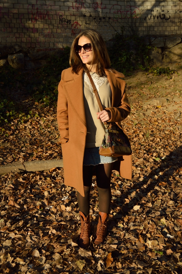lara-vazquez-madlula-abrigo-coat-masculino-marron-solapas grandes