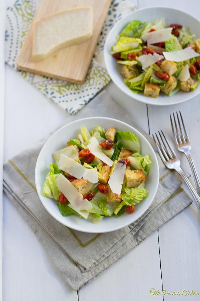 Classic Caesar Salad for #SundaySupper via LittleFerraroKitchen.com