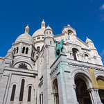 Sacré-Cœur and the bleeding statues