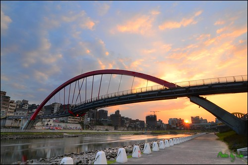 camera sunset nikon taiwan tokina 夕陽 taipei 台灣 台北 日落 cpl 彩虹橋 黑卡 饒河夜市 t124 d3100
