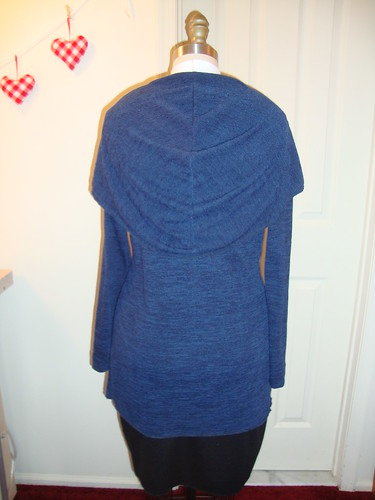 StyleArc Laura cardi wearable muslin--now serged!