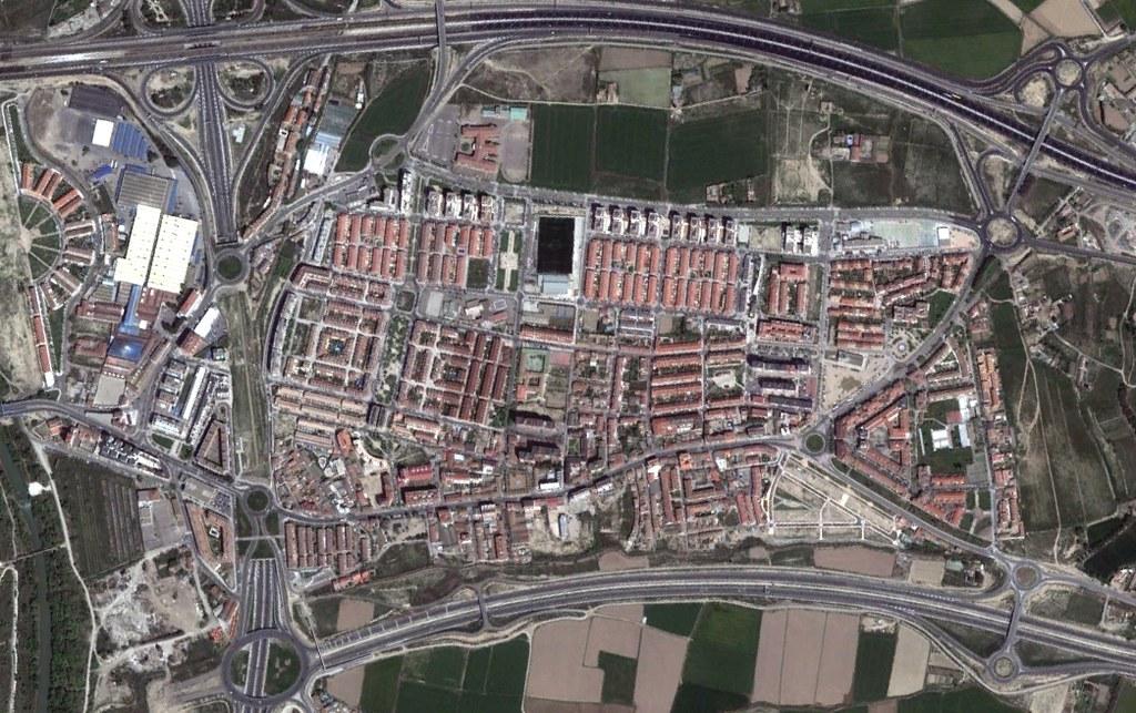 santa isabel, zaragora, santa suburbia, después, urbanismo, planeamiento, urbano, desastre, urbanístico, construcción, rotondas, carretera