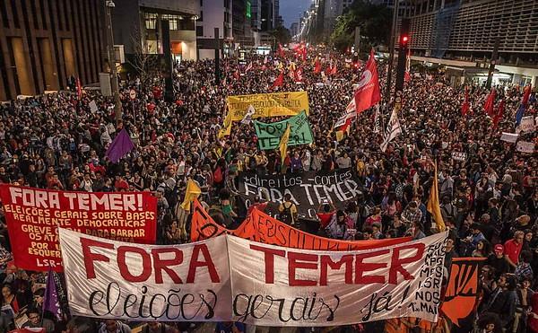 Apenas a CNTE afirma que mais de 1 milhão de profissionais da educação iniciarão a greve da categoria nesta quarta - Créditos: Mídia Ninja
