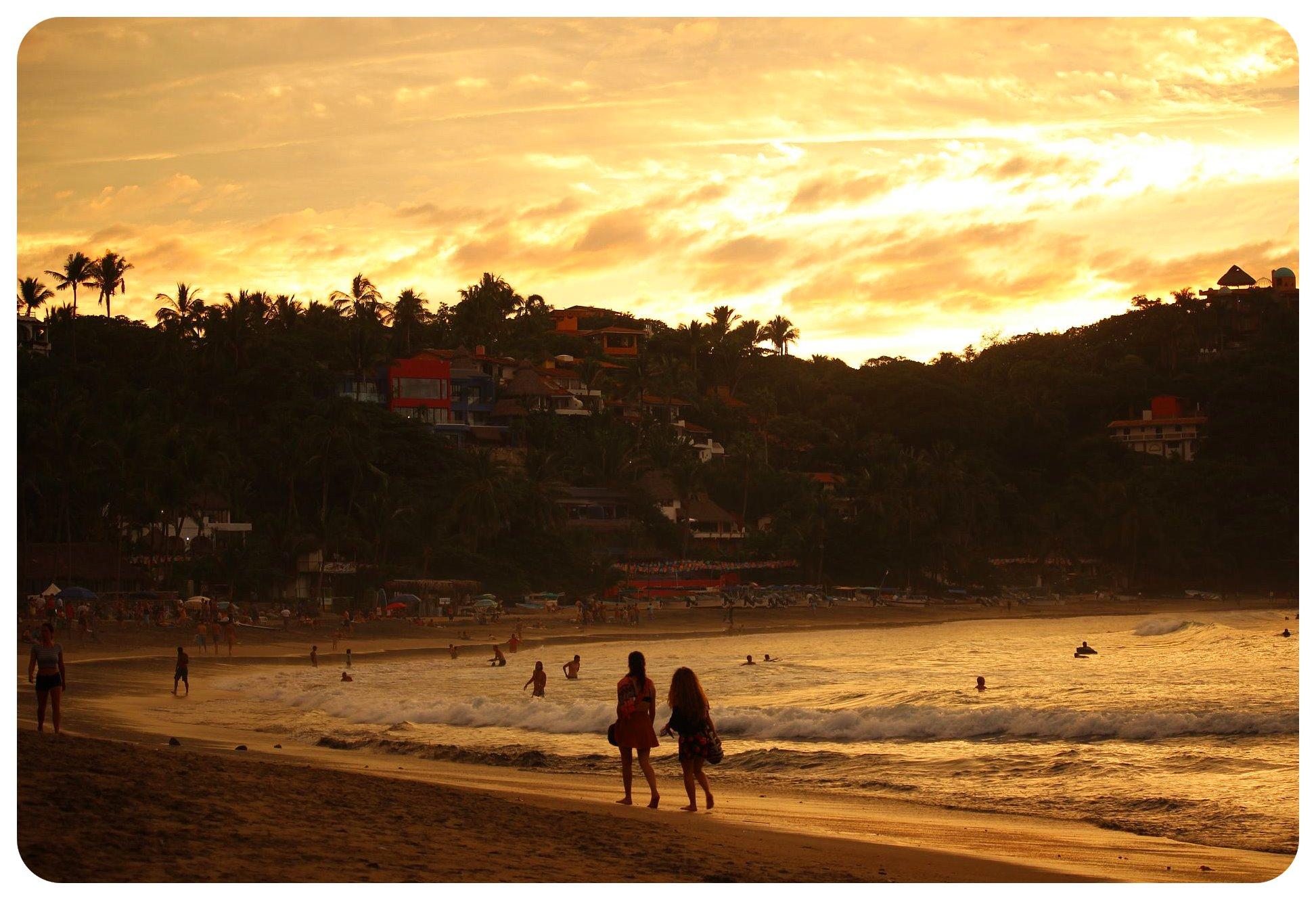 sayulita sunset beach
