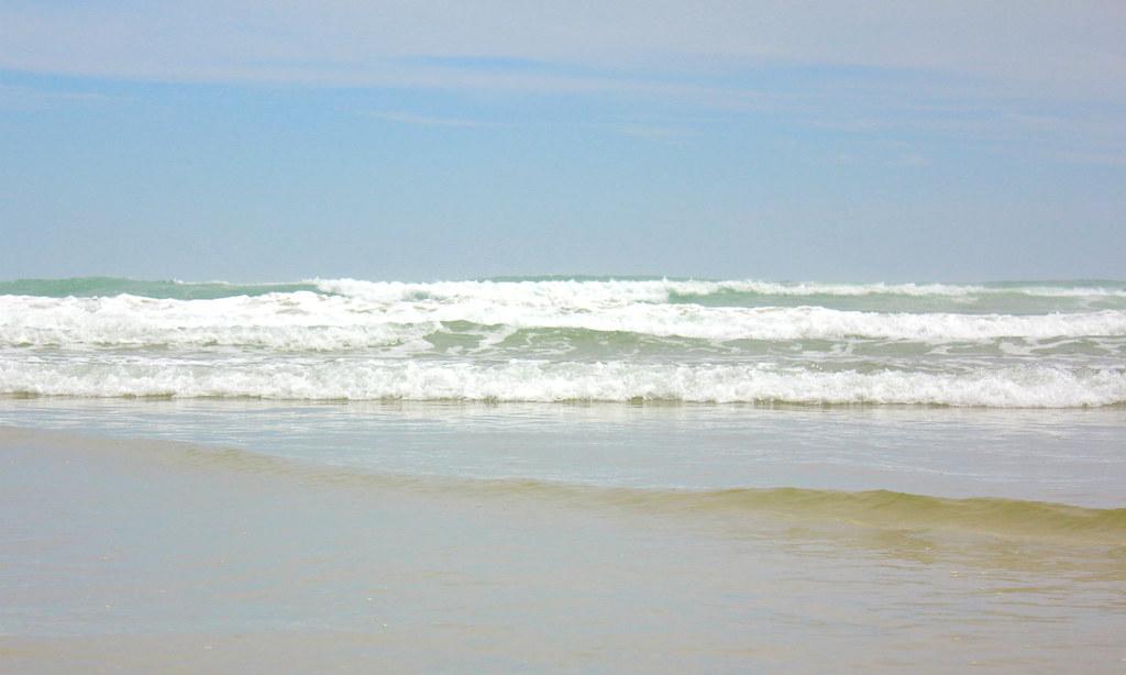 ninety-mile-beach-waves