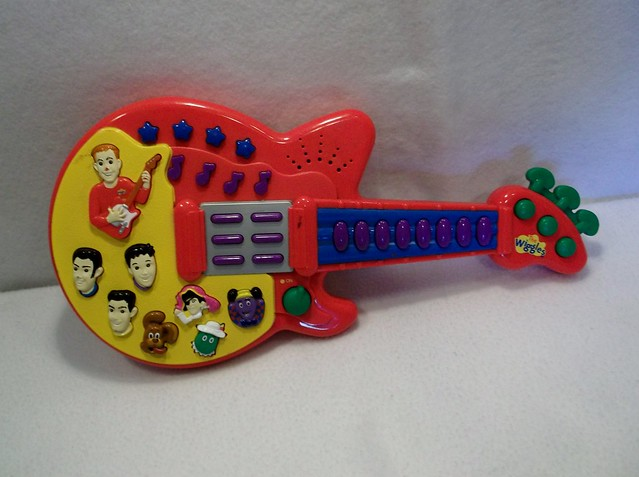 The Wiggles Toys R Us : Disney wiggles plastic toy guitar flickr photo sharing