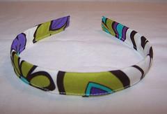 clothing(0.0), yellow(0.0), jewellery(0.0), bangle(0.0), circle(0.0), bracelet(0.0), headpiece(1.0),