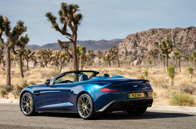 Aston-Martin-Vanquish-Volante-2013-1