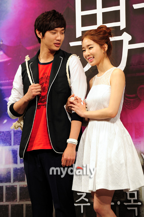 KOREAN DRAMA COUPLES (12)