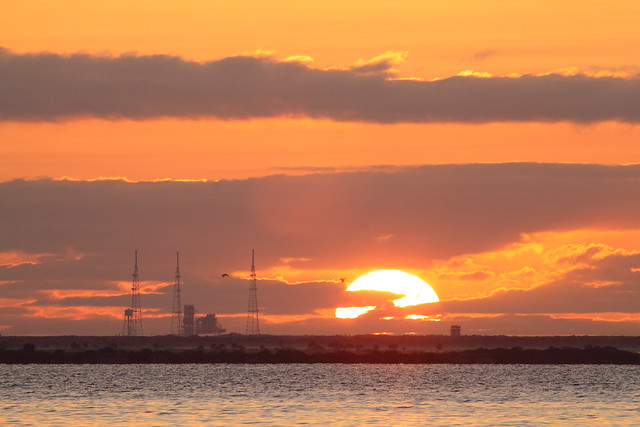 Daybreak over Launch Complex 39B