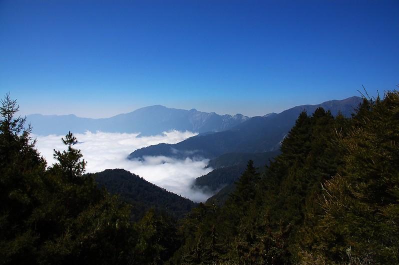 關山大斷崖(From 布拉克桑山稜) 2