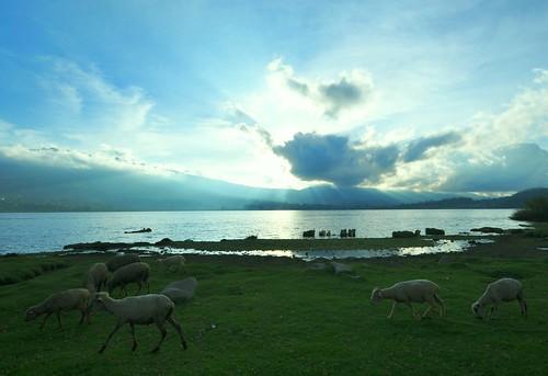 lago ecuador imbabura sanpablo otavalo