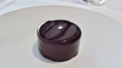 Tetsuya's: Chocolate Cake with Hazelnut