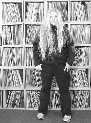 dj_aroma_with records