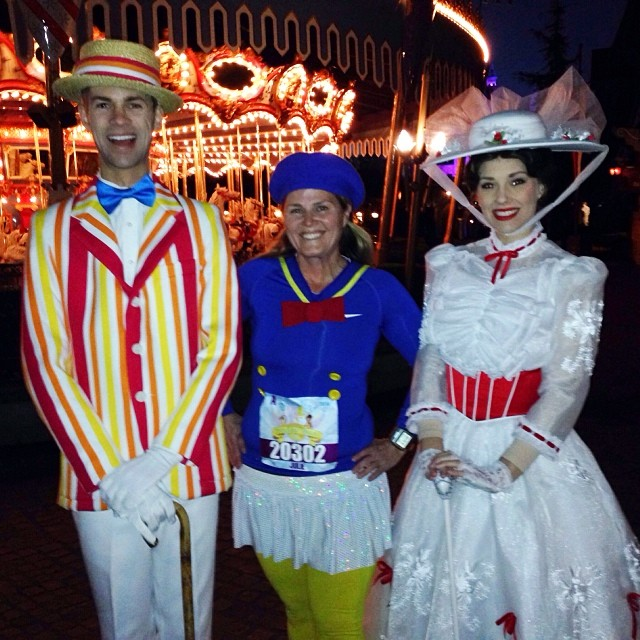 One of the best parts of doing an @rundisney race is running through the parks and taking fun photos with the characters like Bert and Mary Poppins! #tink10k #tinkhalf #rundisney #teamsparkle #marypoppins