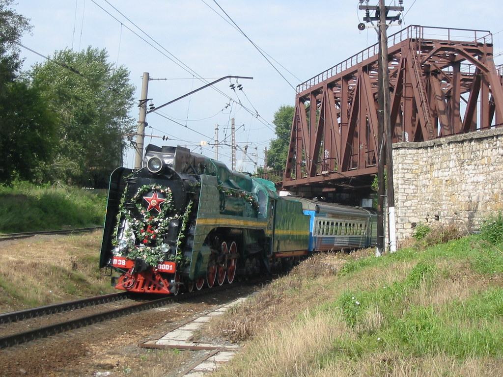 RZD P36-0001 steam locomotive _20050807_090