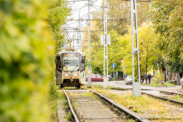 пр. Кирова, 330 вагон следует по 1 маршруту в направление остановки Политехнический университет