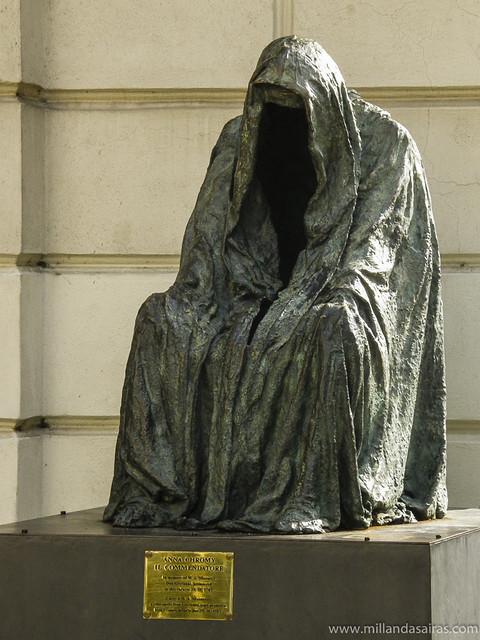 Estatua del fantasma de la ópera