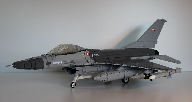 F-16 Fighting Falcon (3)