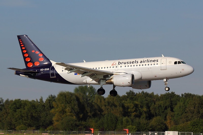 Brussels Airlines - A319 - OO-SSB (2)