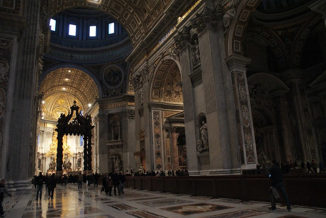 Basilique Saint Pierre de Rome : Dimension et richesse incroyable.