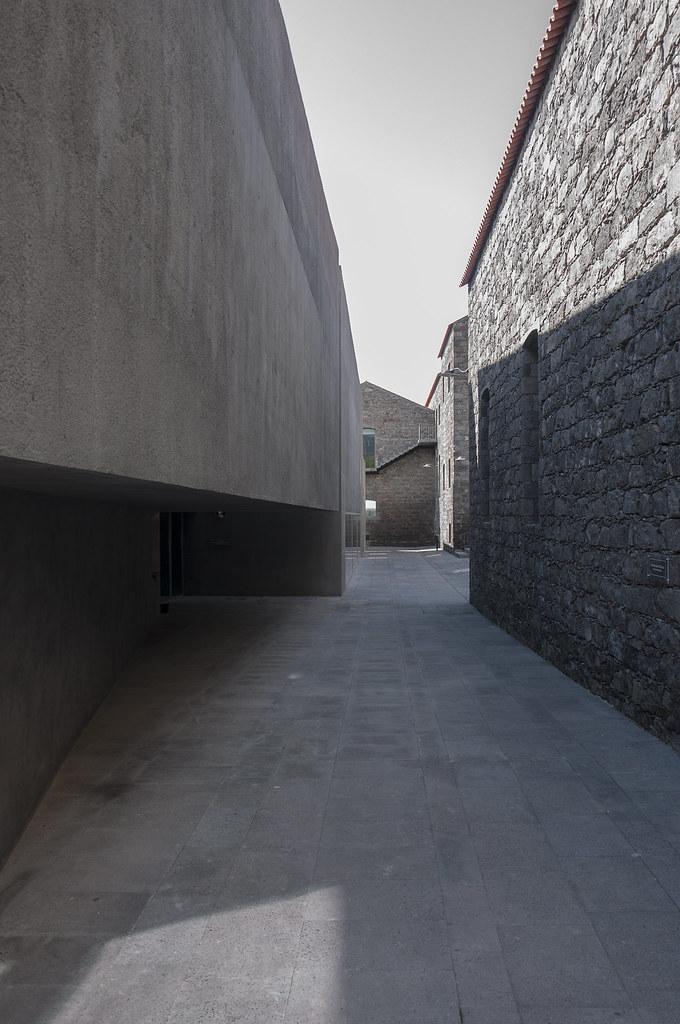 Ribeira Grande, ARQUIPÉLAGO - Centro de Artes Contemporâneas. Menos é Mais + João Mendes Ribeiro
