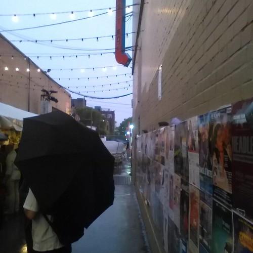 The Alley in rain #toronto #fringeto #honesteds #thealley #rain