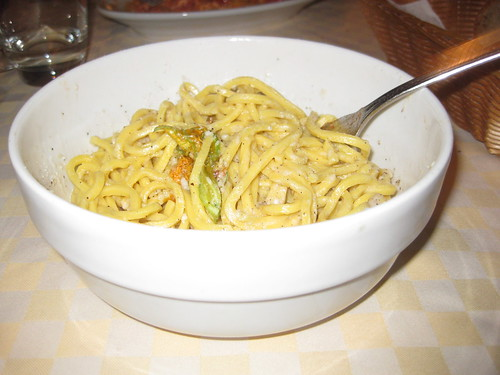 Caccio e pepe at my favorite Roman restaurant, Renato e Luisa