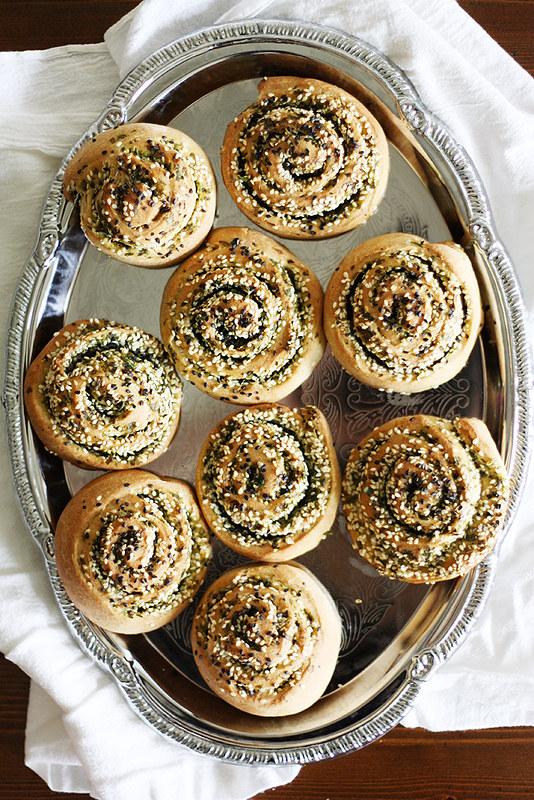 cilantro-scallion swirl rolls
