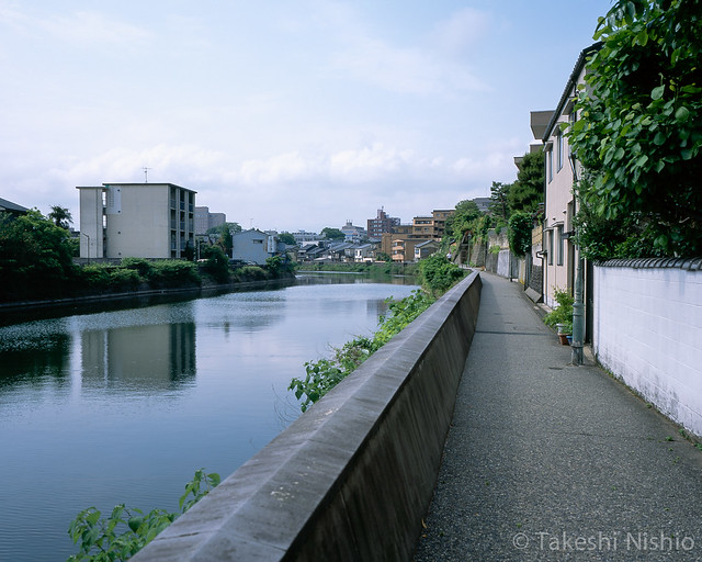 小橋から浅野川上流を望む / Viewing upwards of Asanogawa river at Kobashi bridge