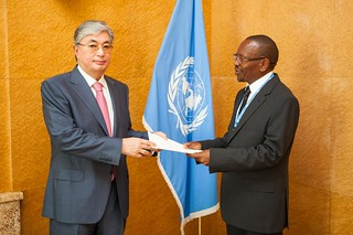 NEW PERMANENT REPRESENTATIVE OF LESOTHO PRESENTS CREDENTIALS TO DIRECTOR-GENERAL OF UNITED NATIONS OFFICE AT GENEVA